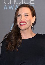 Liv Tyler styled her hair into a side-swept feathery 'do for the Critics' Choice Awards.