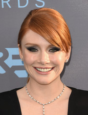Bryce Dallas Howard looked gorgeous with her heavily accented eyes at the Critics' Choice Awards.