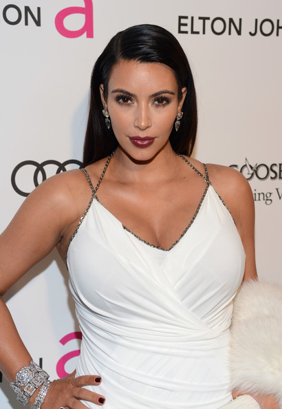 More Pics of Kim Kardashian Long Side Part (7 of 17) - Long Side Part Lookbook - StyleBistro