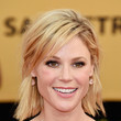 Julie Bowen's Choppy Bob and Pastel Pink Pout