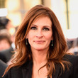 Julia Roberts' Full-Volume Waves and Matte Lips