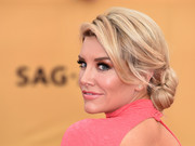 Charissa Thompson looked very lovely with her loose, low bun at the SAG Awards.