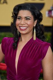 Jessica Pimentel attended the SAG Awards wearing a Scarlett O'Hara-inspired coiffure.