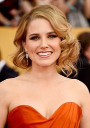 Sophia Bush looked very romantic wearing her hair in loosely pinned-up curls at the SAG Awards.