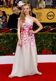 Natalie Dormer was eye candy in a Naeem Khan watercolor-print one-shoulder gown at the SAG Awards.