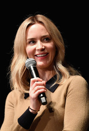 Emily Blunt channeled the '70s with this gently wavy 'do at the SCAD Savannah Film Festival.