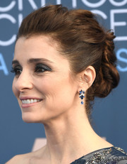 Shiri Appleby styled her hair into a twisty updo for the Critics' Choice Awards.
