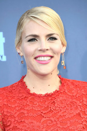 Busy Philipps sported a side-parted ponytail at the Critics' Choice Awards.