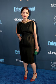 Robin Tunney opted for a boatneck LBD with a cinched-in waist when she attended the Critics' Choice Awards.