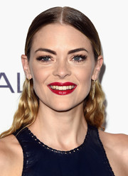 Jaime King coated her kisser a sexy red hue for the Elle Women in Hollywood Awards.