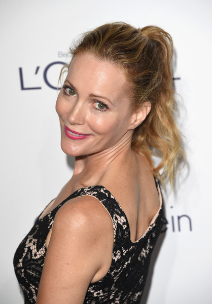 Leslie Mann kept it youthful and pretty with this textured ponytail at the Elle Women in Hollywood Awards.