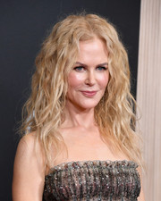Nicole Kidman rocked wild curls at the 2018 Hollywood Film Awards.