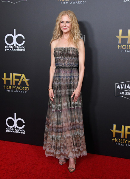 Nicole Kidman looked breezy in a spaghetti-strap print dress by Dior at the 2018 Hollywood Film Awards.