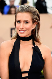 Renee Bargh went for a punky vibe with this brushed-back 'do at the SAG Awards.