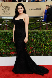Ariel Winter showed off her shapely figure in a strapless black mesh-overlay dress by Romona Keveza at the SAG Awards.