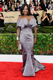 Viola Davis looked impeccable at the SAG Awards in an architectural lavender off-the-shoulder gown by Zac Posen.