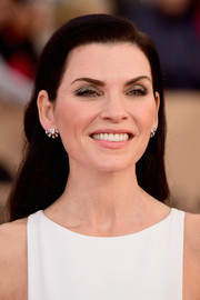 Julianna Margulies attended the SAG Awards sporting this neat side-parted 'do.