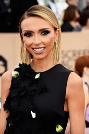Giuliana Rancic attended the SAG Awards sporting this slicked-down, side-parted 'do.