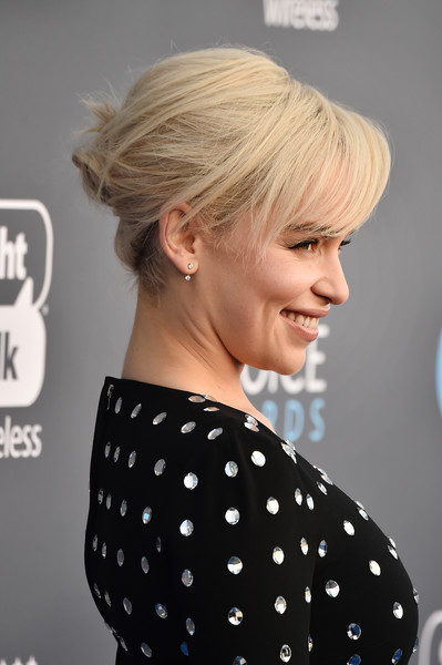 Emilia Clarke went edgy-chic with this twisted bun at the 2018 Critics' Choice Awards.