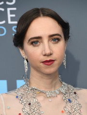 Zoe Kazan sported an old-school updo at the 2018 Critics' Choice Awards.