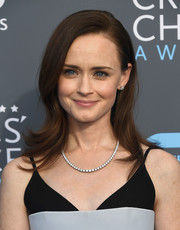 Alexis Bledel accessorized with a classic diamond tennis necklace by Forevermark.
