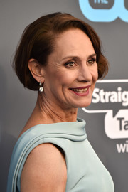 Laurie Metcalf wore her hair in a short bob at the 2018 Critics' Choice Awards.