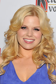 Megan Hilty attended the 23rd Annual GLAAD Media Awards wearing her long hair in loose golden curls.