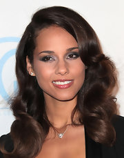 Alicia Keys wore her hair in sexy silky curls at the 23rd Annual Producers' Guild Awards.