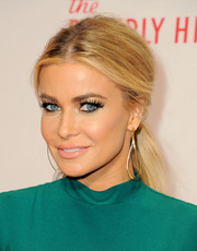 Carmen Electra sported an elegant center-parted ponytail at the Race to Erase MS Gala.