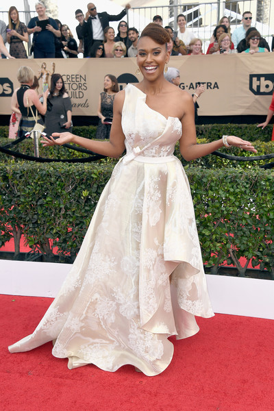 Image result for ryan michelle bathe  2017 SCREEN ACTORS GUILD AWARDS