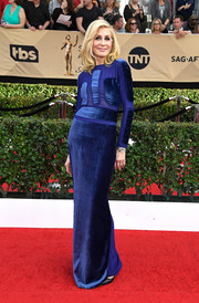 Judith Light looked perfectly polished in a long-sleeve royal-blue column dress by Tom Ford at the SAG Awards.