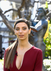 Angela Sarafyan went for easy elegance with this sleek side ponytail at the SAG Awards Greet the Actor event.