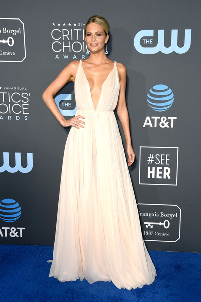 More Pics of Poppy Delevingne Evening Dress (1 of 7) - Poppy Delevingne Lookbook - StyleBistro [dress,clothing,shoulder,gown,carpet,red carpet,hairstyle,fashion model,joint,fashion,arrivals,poppy delevingne,critics choice awards,santa monica,california,barker hangar]