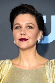 Maggie Gyllenhaal sported a short side-parted 'do at the 2019 Critics' Choice Awards.