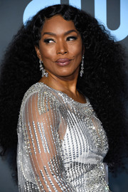 Angela Bassett rocked waist-length curls at the 2019 Critics' Choice Awards.