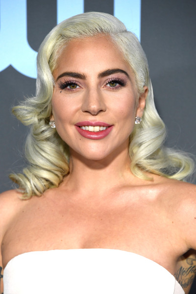 Lady Gaga channeled Old Hollywood with these vintage-glam curls at the 2019 Critics' Choice Awards.