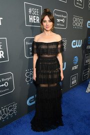 Linda Cardellini went boho-glam in a tiered black off-the-shoulder gown by Zuhair Murad at the 2019 Critics' Choice Awards.