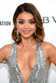 Sarah Hyland showed off flawlessly styled waves at the Elton John AIDS Foundation Oscar viewing party.