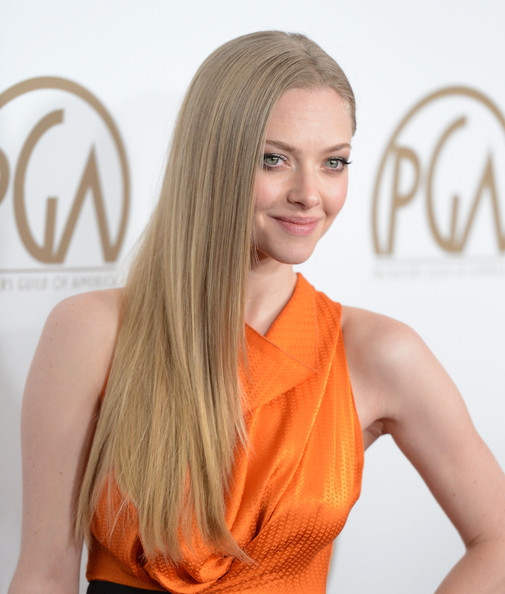 More Pics of Amanda Seyfried Long Side Part (1 of 16) - Long Hairstyles Lookbook - StyleBistro