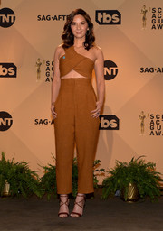 Olivia Munn styled her matchy-matchy outfit with brown crisscross-strap heels.