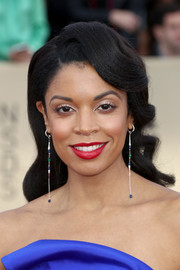 Susan Kelechi Watson channeled Old Hollywood with these vintage-style waves at the 2018 SAG Awards.