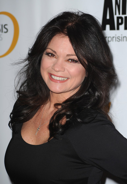 Valerie Bertinelli's Sweeping Curls