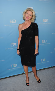Alley Mills wore this glittering single-shoulder dress to the CBS Silver Anniversary party for the 'Bold and the Beautiful.'