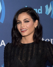Jenna Dewan-Tatum sported a simple yet pretty shoulder-length wavy hairstyle at the GLAAD Media Awards.