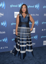 Shonda Rhimes made a stylish appearance at the GLAAD Media Awards in a blue and white striped gown.