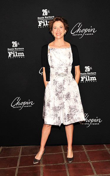 Annette looked lovely at the SAG Awards in a vintage inspired floral print frock.