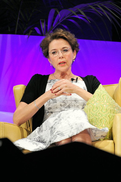More Pics of Annette Bening Diamond Collar Necklace (3 of 33) - Annette Bening Lookbook - StyleBistro