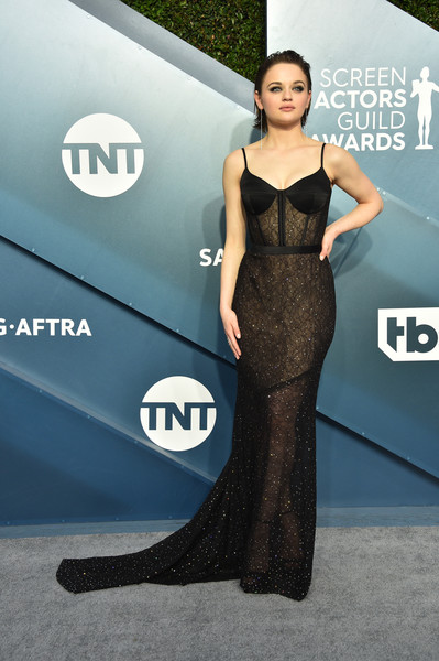Joey King looked seductive in a black lace corset gown by Jason Wu at the 2020 SAG Awards.