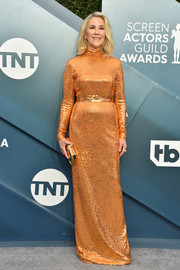 Catherine O'Hara glammed up in an orange sequined column dress by Marc Jacobs for the 2020 SAG Awards.