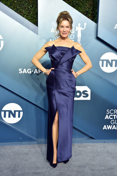 Renee Zellweger looked ultra chic in a tux-inspired strapless column dress by Maison Margiela Couture at the 2020 SAG Awards.